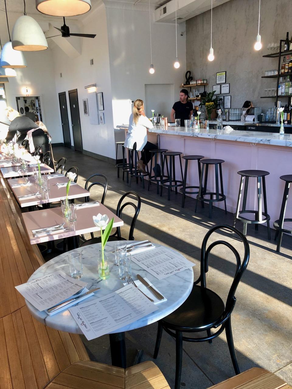 Egg Chair Roze.East Nashville S Comfy Cafe Roze Edible Nashville