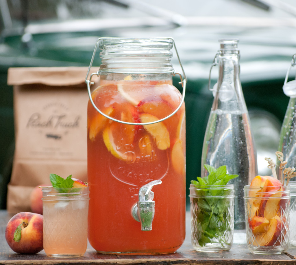 Peach Sangria | Edible Nashville